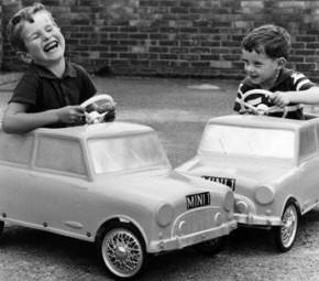 Man föds inte till bilist, man blir det - Planka Sthlm om Trafikmaktordningen
