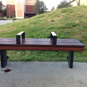"""Bum proof benches"" i kollektivtrafiken"